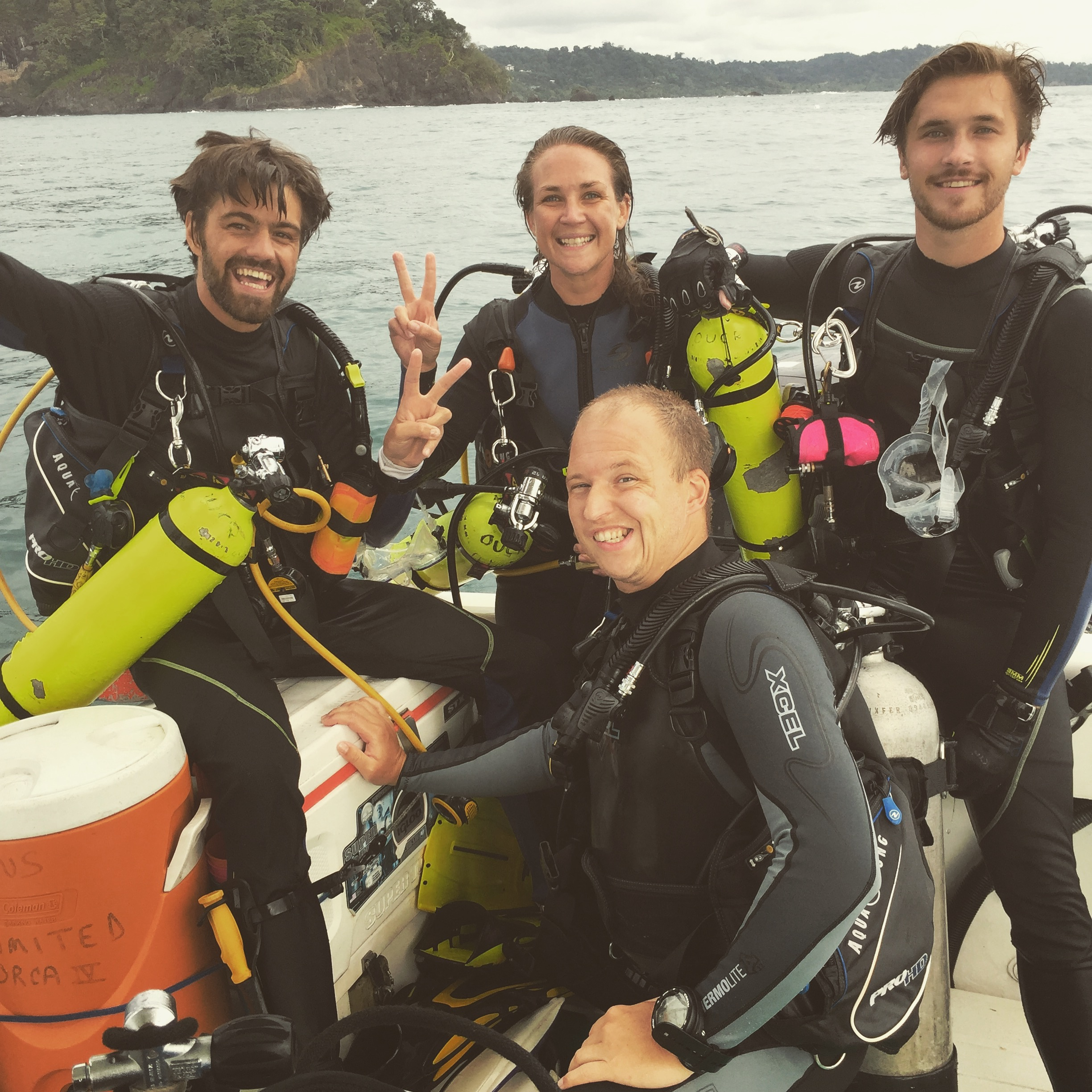 Divemaster deep exploration and eel explosion